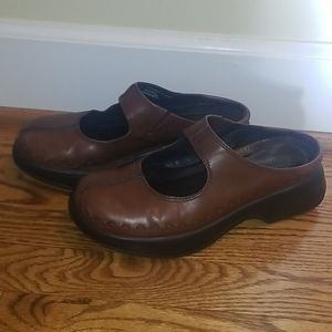 Brown leather Mary Jame DANSKO clogs 39/9
